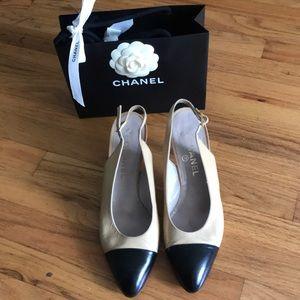 ✨Vintage Chanel sling back heels sz. 40